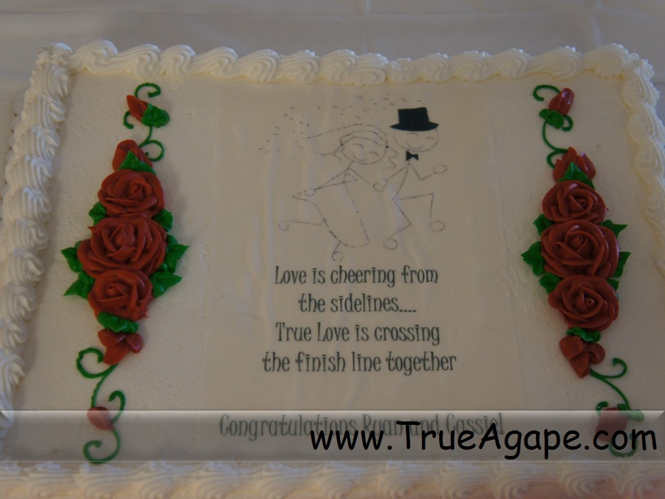 running theme wedding cake