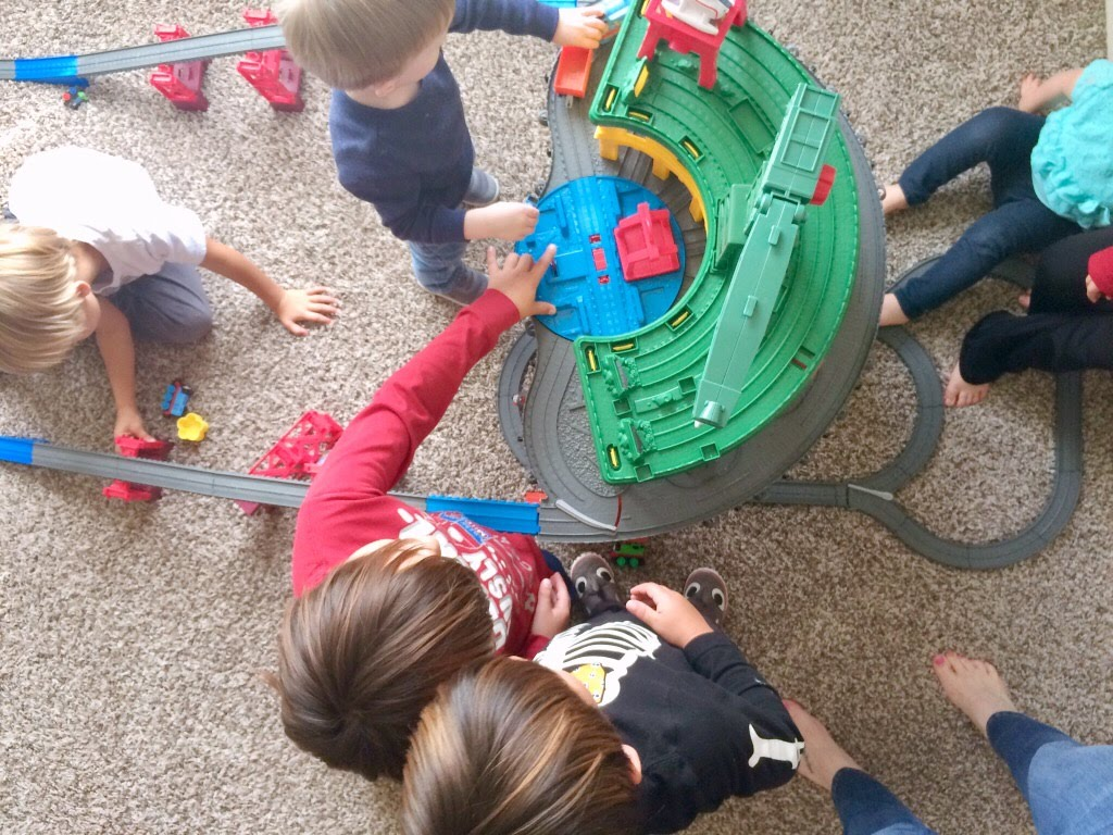 Thomas & Friends Super Station Play Date is a fun event for all Thomas fans. It allows all the kids to have fun and be entertained!